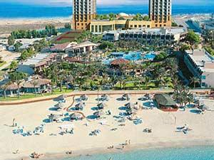 Пляжный клуб при отеле Хабтур Гранд Бич Ресорт