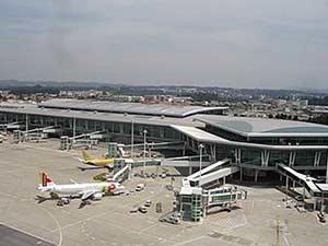 Международный аэропорт в городе Порту
