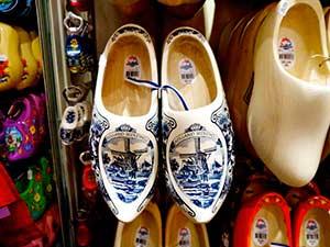 Голлнадская традиционная обувь - кломпы