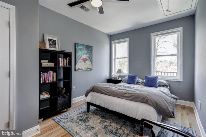 3220 Park Place NW, Washington, DC 20010 bedroom