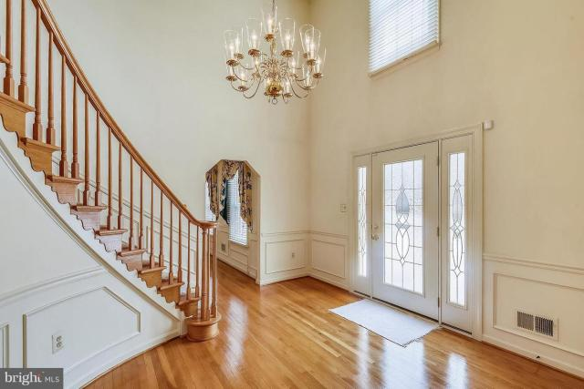 11696 Hollyview Drive Great Falls, VA 22066 welcome