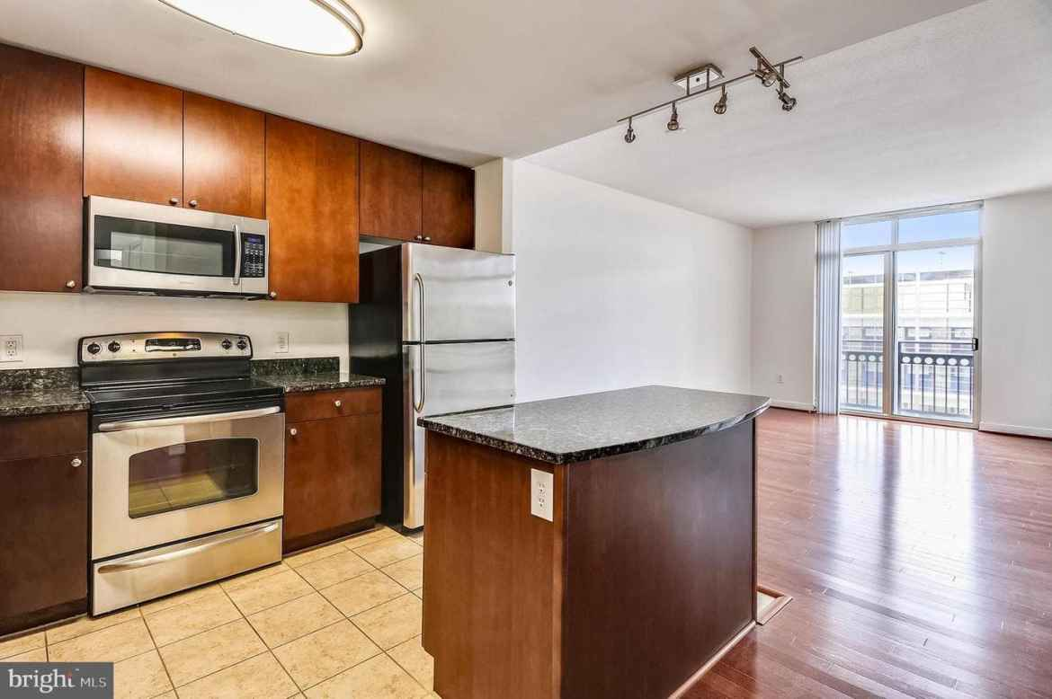 155 Potomac Passage 530, National Harbor, MD 20745 Kitchen and Dining