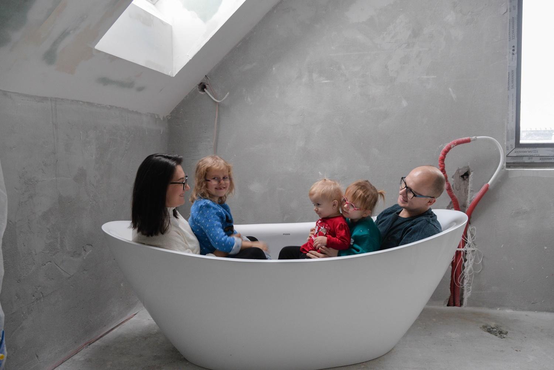Wyposażenie łazienki górnej- jeden zestaw, który spełnia wszystkie nasze oczekiwania.