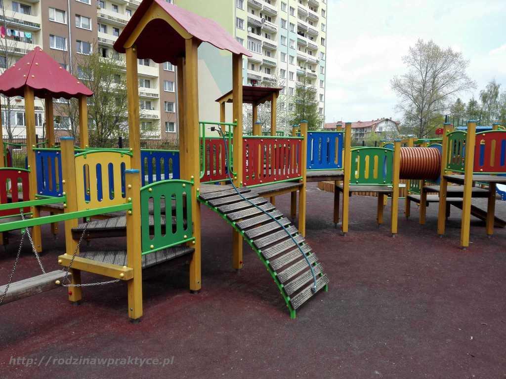 kolorowy plac zabaw