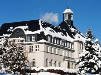 2012_12_08_Klingenthal_Rathaus