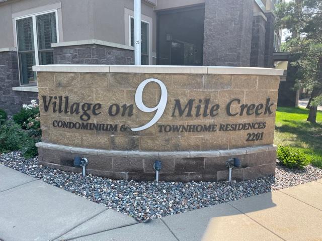 Village on Nine Mile Creek – Bloomington