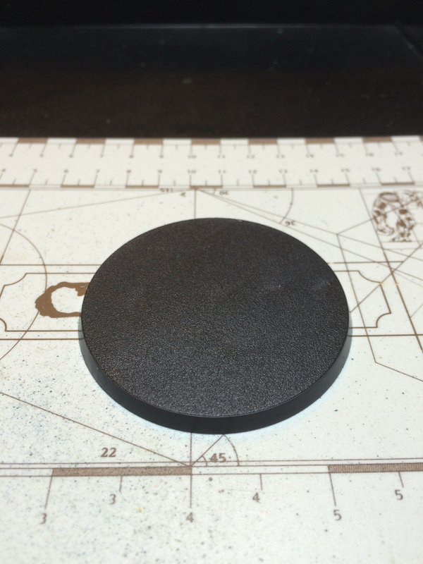 The kit is supplied with a standard Dreadnought base.