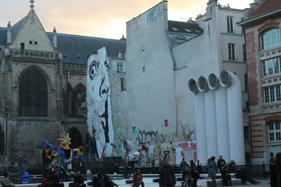 Alrededores Museo Pompidou