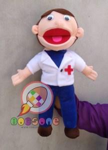 Produsen Boneka Muppet Profesi Dokter Bisa Gerak Mulutnya