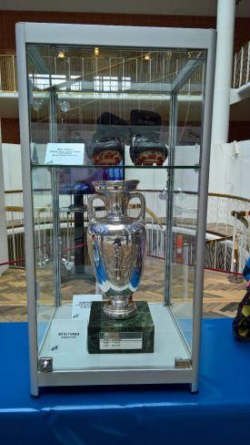 EM trofæet fra EM triumfen i 1992