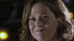 Sigourney Weaver som Elaine Barrish