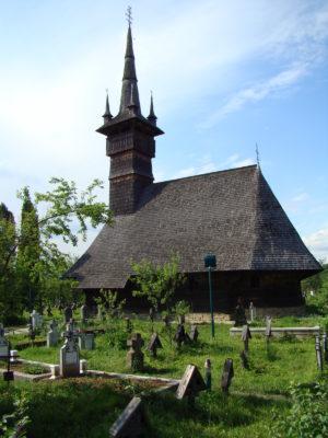 Biserica_de_lemn_Sf.Arhangheli_Rogoz