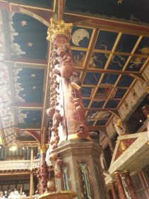 The ceiling of the stage. Brought to you exclusively from the Groundling perspective!