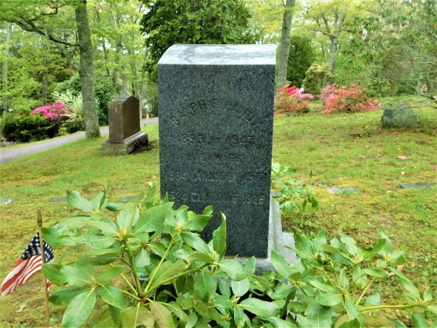 another view of Ralph E. and Annie Handy gravestone.jpg