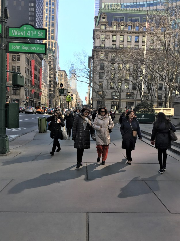 Fifth Avenue 11-40 a.m. 2-17-2017.JPG