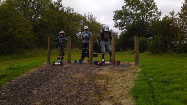 Chilled mountainboarding session at the pitch and putt