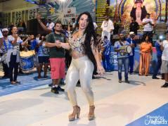 PASSISTA RAINHA de BATERIA attitrée en Passes de Samba No Pé