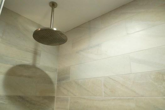 Master Shower Reno 5