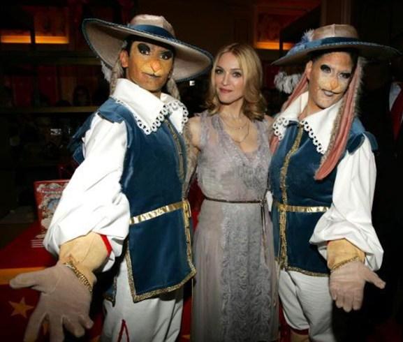 Madonna's Lotsa de Casha