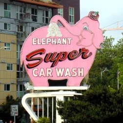 The Pink Elephant carwash sign in Seattle is an iconic roadside attraction that the RogueTrippers had to find when in Seattle for their short visit.