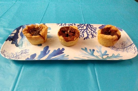 butter-tarts-from-13th-street-winery-roguetrippers