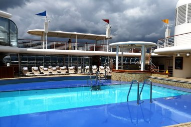 Roguetrippers got to enjoy the pool on the Disney Wonder Cruise ship.