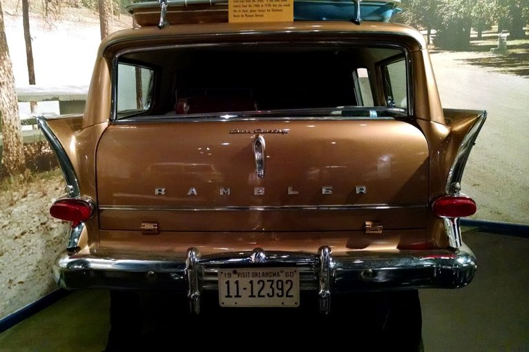 roguetrippers-unusual-museums-route-66-nash-rambler