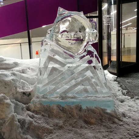 Bank-of-Canada-Ice-Carving-Winterlude
