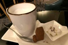 Gourmet-Hot-Chocolate-served-to-Roguetrippers