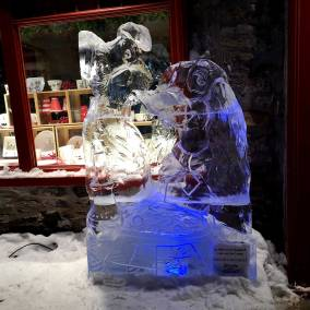 Lady-and-the-Tramp-ice-carving-Carnaval