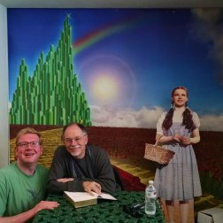 Roguetrippers met Gregory Maguire at Oz-Stravaganza