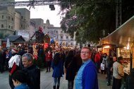 nick Kulnies at the Christmas market Cathedral Barcelona