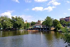 Avon River and Shakespeare Gardens in Stratford Ontario is a roguetrippers favourite