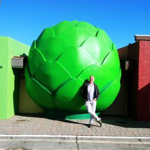 The Giant Artichoke is a fruit and vegetable market with a large road side attraction.