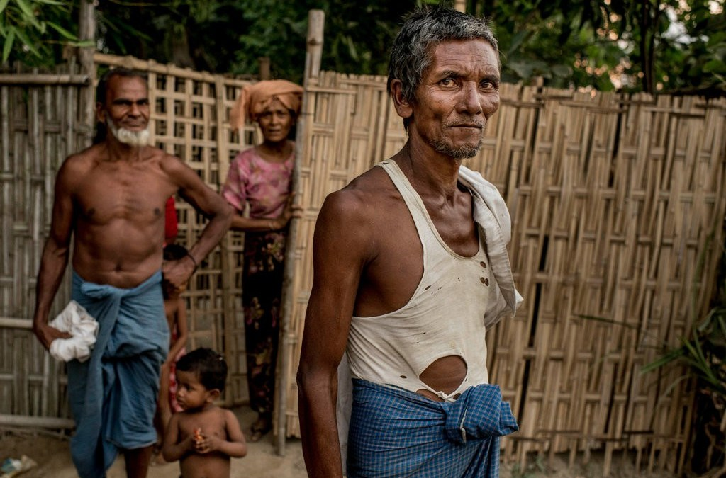 Tha Pyay Gone Rohingyas ordered to destroy their homes