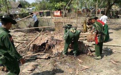 BGP soldiers demolish abandoned Rohingya houses