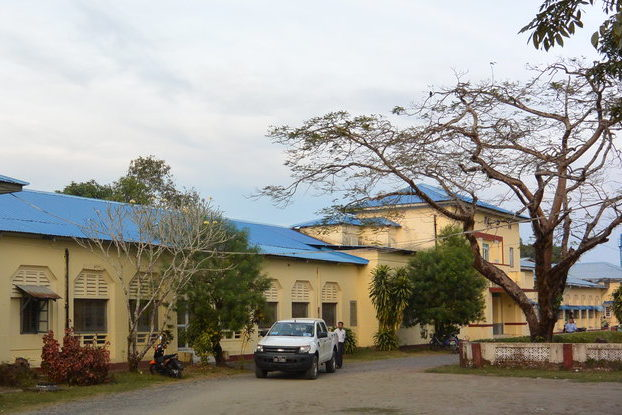 Sittwe general hospital faces a shortage of oxygen.