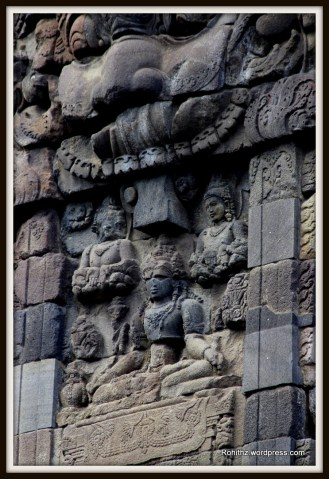 While in Vishnu temple the figures of a male deities devatas are flanked by apsaras.