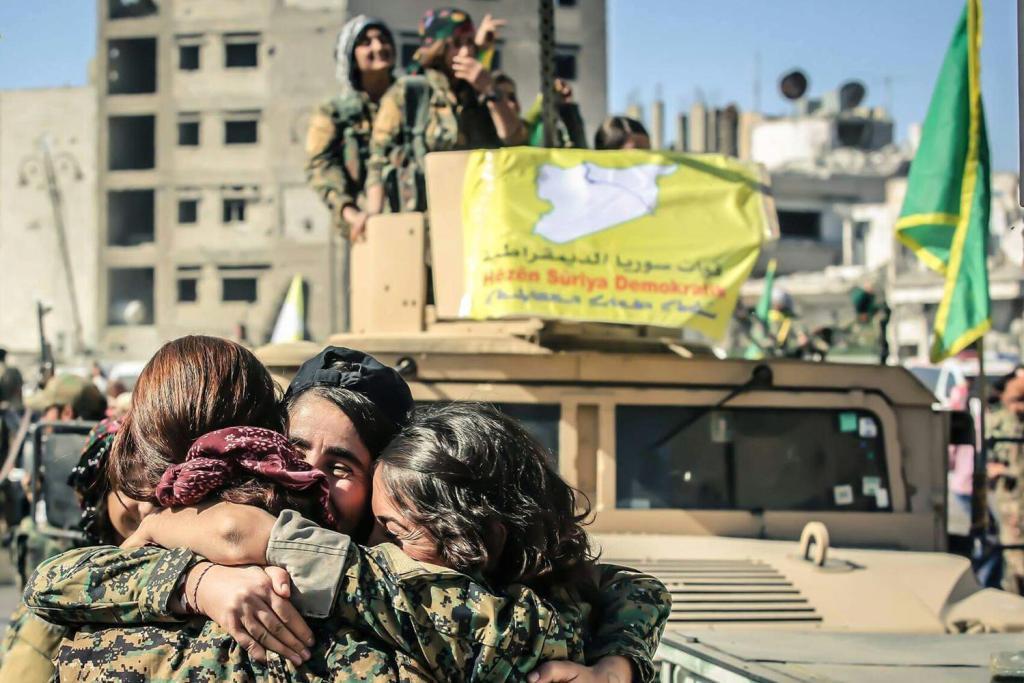 Milicianas de las YPJ. Foto: Kurdishstruggle