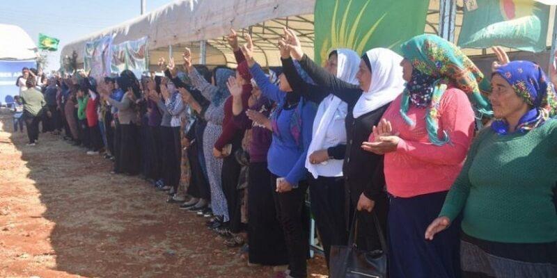 Más allá del orientalismo: explorando el feminismo distintivo del confederalismo democrático en Rojava