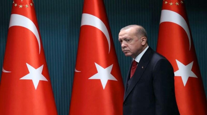 En su momento más débil, Erdogan se reunirá con Biden