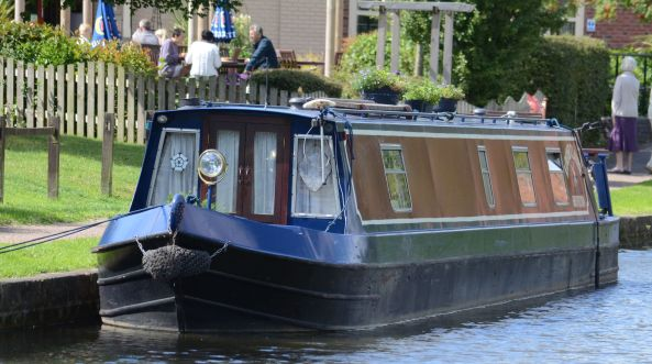 Nb Louise Claire at the Lock Keeper
