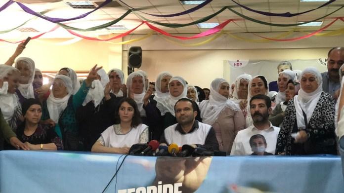 Leyla Güven et les députés du HDP mettent fin aux grèves de la faim