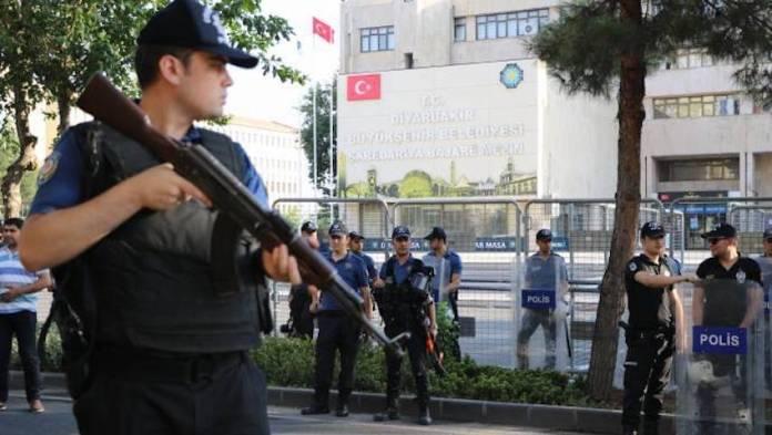 La Turquie limoge les co-maires HDP de Diyarbakir, Mardin et Wan