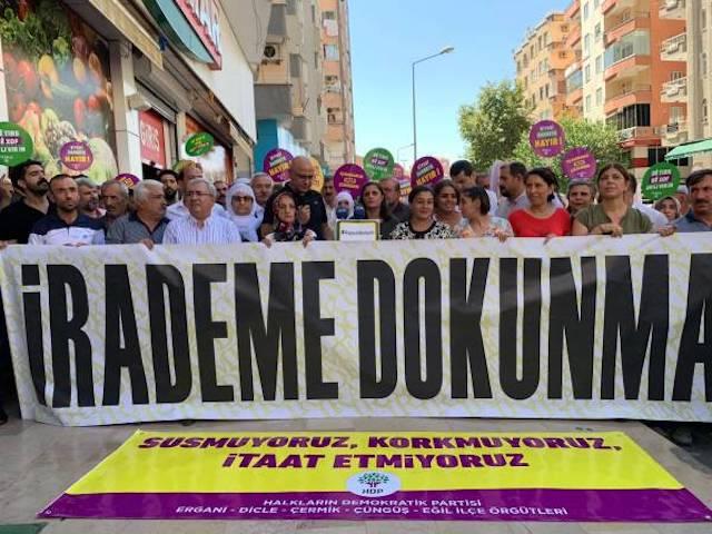 Diyarbakir déterminée à résister jusqu'au départ des administrateurs