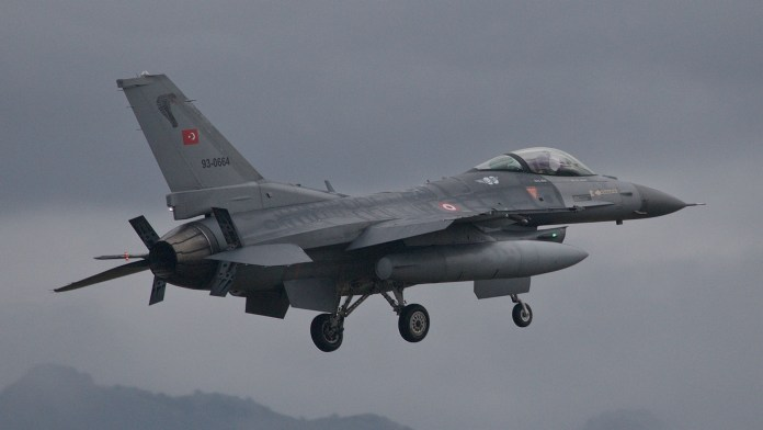 Un mort et deux blessés dans des frappes aériennes de l'armée turque au sud-Kurdistan