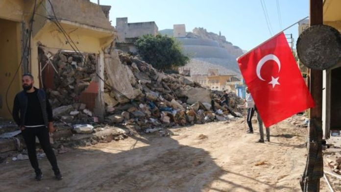 A Hasankeyf, des drapeaux turcs pour «couvrir les crimes»