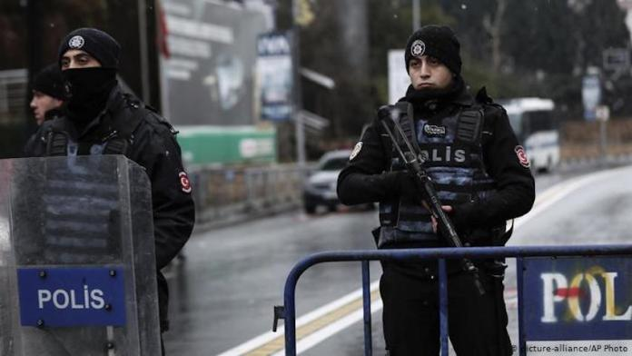 13 kurdes emprisonnés à Diyarbakir