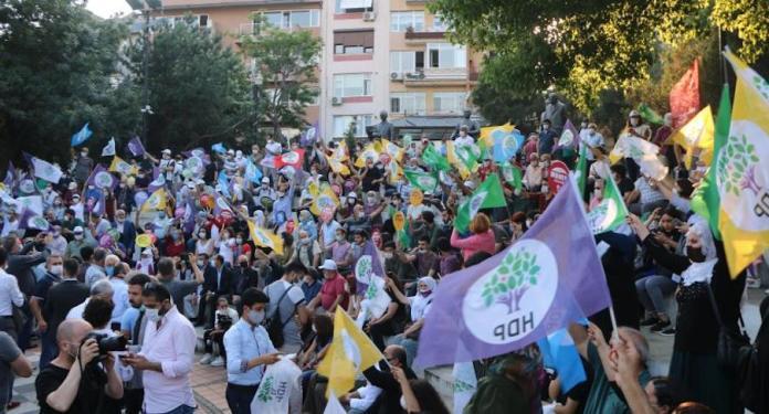 La marche du HDP pour la démocratie se poursuit malgré la répression