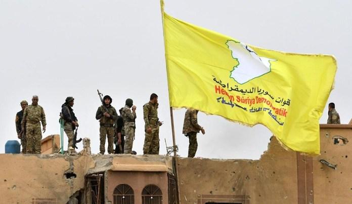 Lors d'une opération menée à Deir ez-Zor par les Forces démocratiques syrienne (FDS), un commandant et deux autres djihadistes de l'Etat islamique (EI) ont été arrêtés.